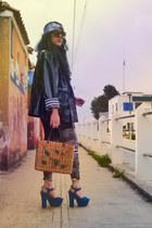 black raincoat vintage jacket - ivory stripes Valkyrio Leo leggings