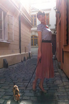 navy vintage t-shirt - pink Romwecom skirt - salmon H&M necklace - bronze F&F fl