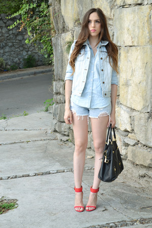 light blue denim Forever 21 vest - light blue denim shirt Levis shirt