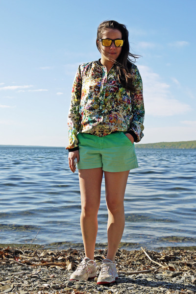 floral print Zara jacket - ombre effect Gap shorts