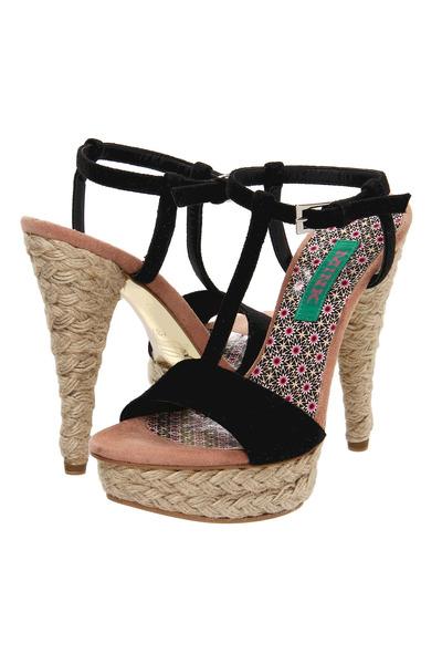 Mink Pink sandals
