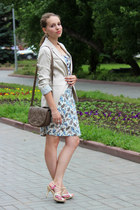 light pink high heels Carlo Pozalini sandals - light blue Mango dress