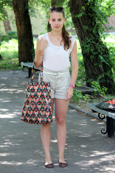 Accessorize bag - light brown Zara shoes - off white Mango shorts