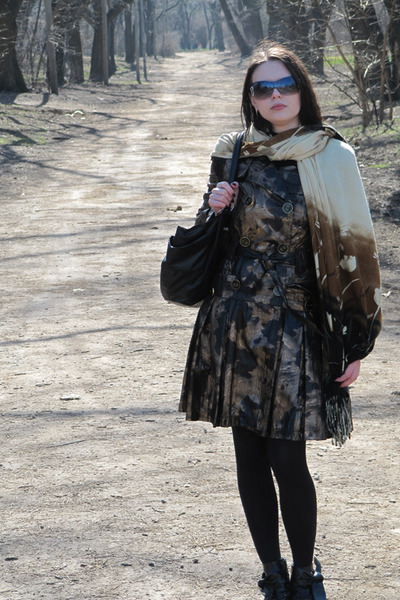 coat - scarf