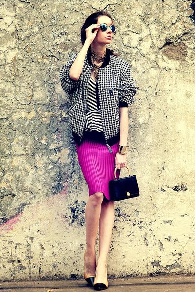 black Lots of clothes jacket - black snakeskin vintage bag - white shopakira top