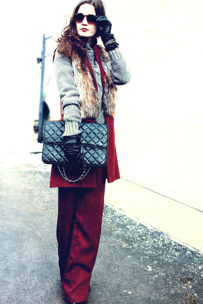 Chanel bag - charcoal gray Apriori sweater - brick red vintage sunglasses