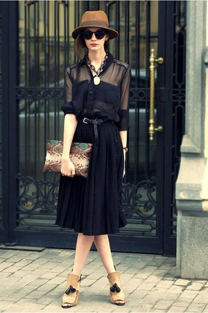 nude Zara heels - tawny vintage hat - black Zara skirt - black H&amp;M belt