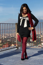 black no brand dress - ruby red omsa tights - ruby red no brand scarf