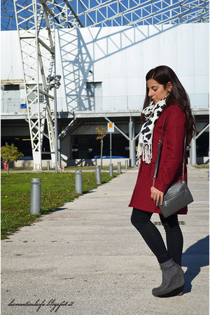 brick red OASAP coat - black Oasapcom scarf