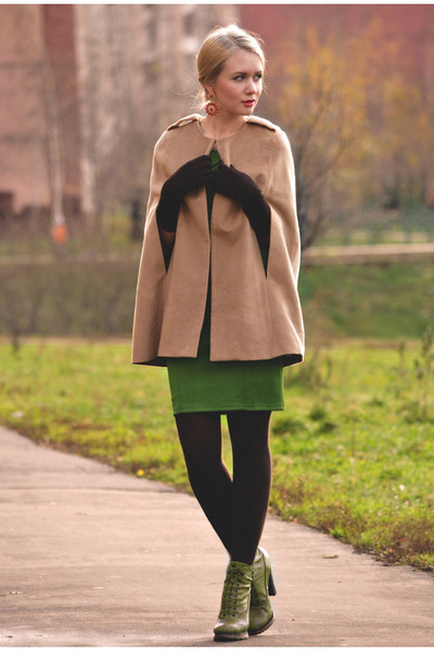 tan romwe cape - forest green KristinesCollection dress