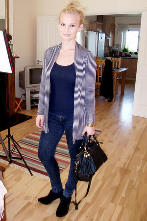 black asos bag - blue Zara jeans - black asos boots - blue Primark top - gray RA