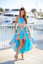 white coach sandals - turquoise blue Lovers  Friends dress
