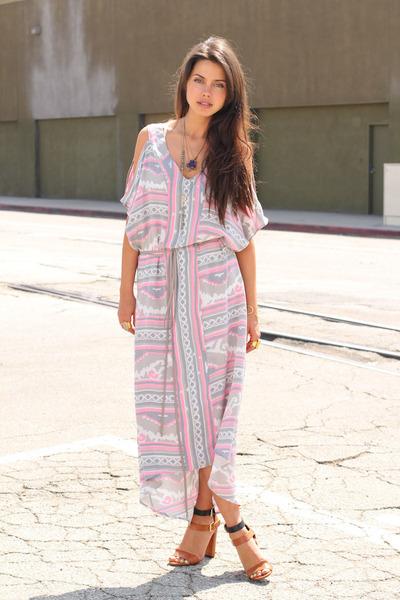 light pink Leyendecker dress - brown Zara heels - amethyst Beso Beso necklace