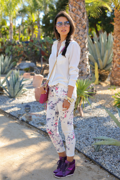 violet Pink & Pepper sneakers - white MINUSEY jeans - white H&M shirt