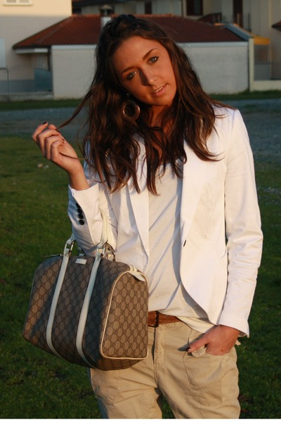 white Zara blazer - white H&M top - beige Zara pants - brown vintage belt - beig