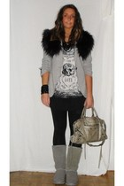 Zara blazer - Zara t-shirt - Zara leggings - Ugg boots - H&M accessories - balen