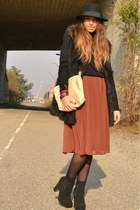ruby red skirt H&M skirt - black boots asos boots - black hat H&M hat