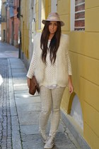 off white Converse sneakers - eggshell H&M jeans - eggshell Topshop hat