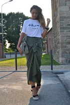 white Solilor t-shirt - charcoal gray balenciaga bag - olive green Zara skirt