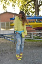 yellow Stefanel heels - periwinkle Zara jeans - yellow Zara sweater