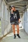 Black-hangar-boots-black-h-m-sweater-heather-gray-lollystar-skirt
