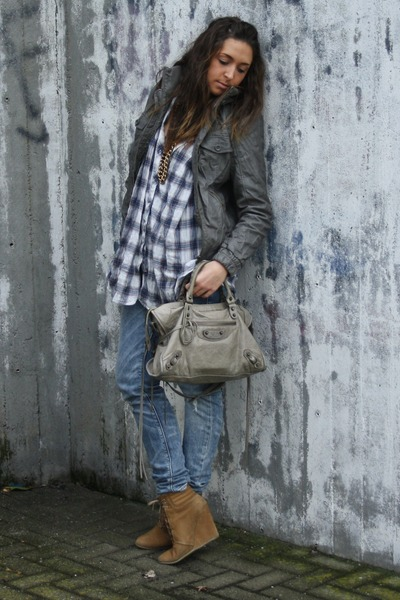 gray city-bag balenciaga bag - beige my favourite Zara shoes
