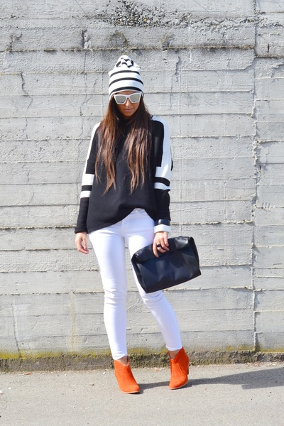 black Zara sweater - gold Betty London boots - white asos hat - black Zara bag