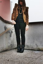 brown Zara blazer - black H&M t-shirt - black Zara pants - black Zara boots - go