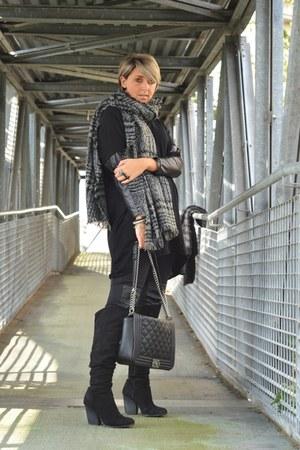 black H&M boots - dark gray frida dress - black H&M leggings
