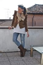 brown Zara blazer - white H&M top - gray H&M jeans - beige H&M scarf - brown mad