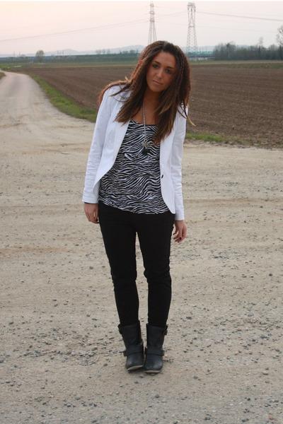 white Zara blazer - black H&M pants - white Alcott top - black Zara boots - blac