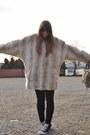 Black-skinny-zara-jeans-off-white-faux-fur-topshop-coat