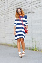 white no brand bracelet - blue H&M dress - red vintage bag