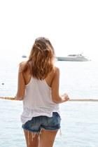 periwinkle diy H&M shorts - white h&m basic top