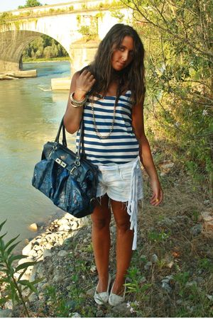 blue H&M shirt - white H&M shorts - white H&M shoes - blue no brand purse - gold