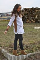 brown Zara vest - white Zara shirt - gray Zara leggings - brown Zara shoes - bro