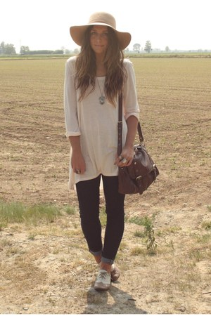 camel blanco oxford-shoes shoes - navy skinny Zara jeans - camel floppy hat Bers