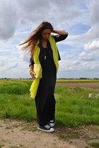 yellow Bershka accessories - black coverse shoes - black H&M dress