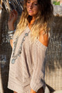 Camel-h-m-blouse-silver-vintage-necklace-heather-gray-h-m-bracelet