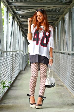 white H&M shirt - black sammydress bag - black Bershka sunglasses