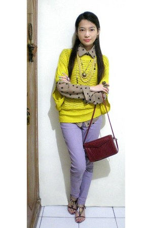 yellow knitted batwing sweater - light brown shirt - ruby red bag - periwinkle j