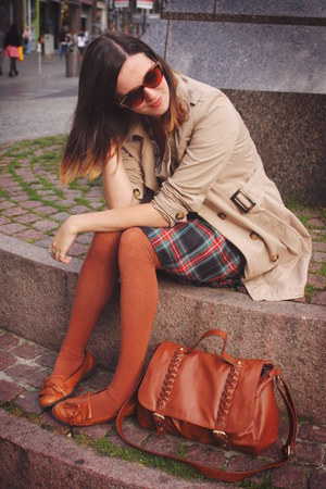 navy skirt - tan coat - burnt orange socks - tawny accessories - cream top