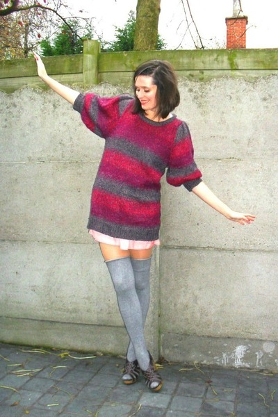 magenta sweater - light pink shorts - heather gray socks - dark brown shoes