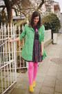 Gold-shoes-navy-dress-chartreuse-coat-bubble-gum-tights