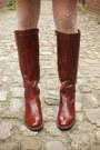 Crimson-boots-navy-dress-dark-brown-coat-cream-tights-ruby-red-scarf