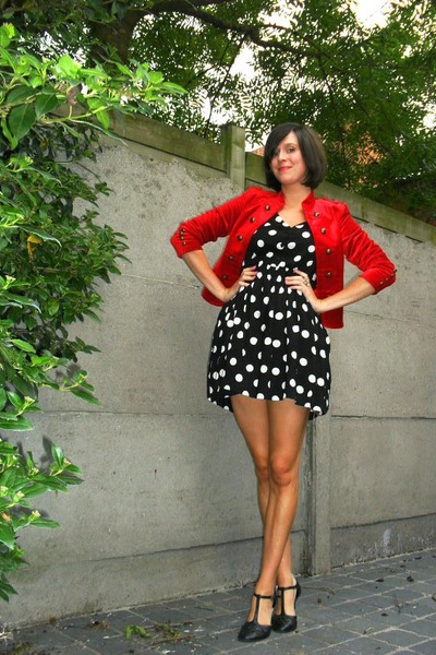 black dress - red blazer - black shoes