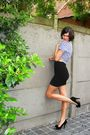 Black-skirt-blue-top-black-shoes