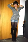 Gray-sweater-black-boots-blue-shorts-silver-necklace