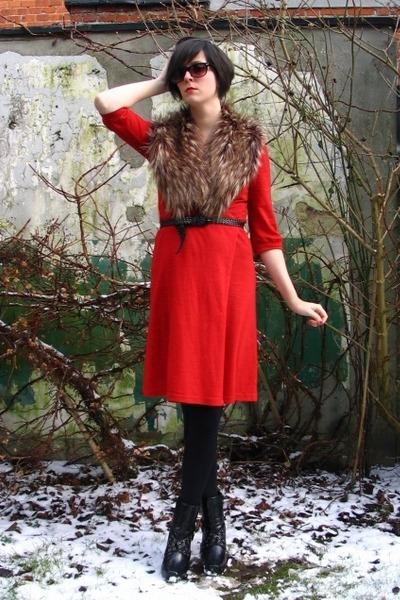 red dress - brown scarf - black boots - black belt - black glasses