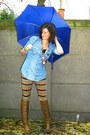 Sky-blue-blouse-tawny-pants-light-brown-boots-brick-red-necklace-navy-ac